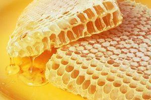 Соты и мед