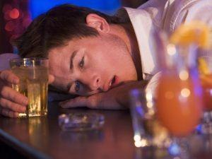 Sfaturi și trucuri: cum de a ajuta un alcoolic de băut oprire