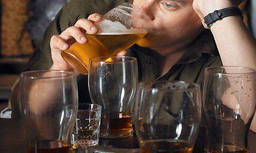 Как вылечить алкоголика эффективно в домашних условиях