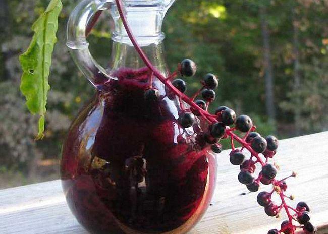 Перед употреблением настойку процедить и перелить в бутылки