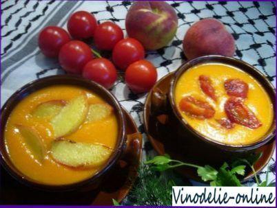 Суп из персиков и белого вина