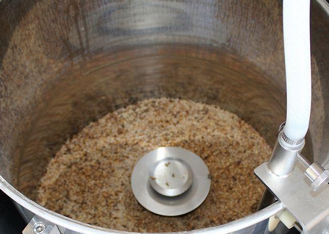 Зерна прорастить посушить и измельчить