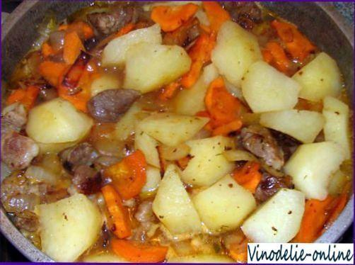 Тушеный картофель