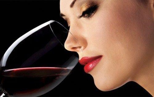 В чем вред алкоголя для женщин