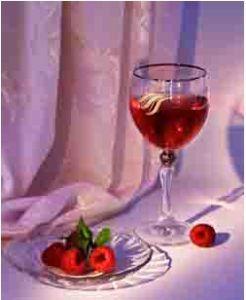 Великолепное вино из малины по домашнему рецепту