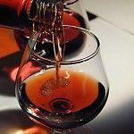 Выбор закусок и напитков к бренди