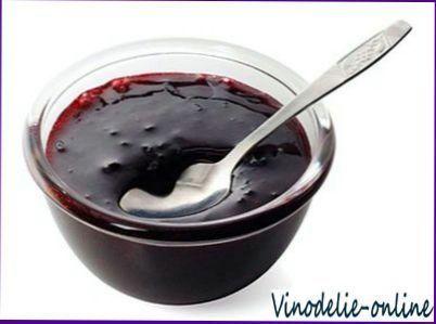 Желе из черной смородины и красного вина