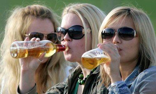 Женский алкоголизм: лечение и последствия для организма